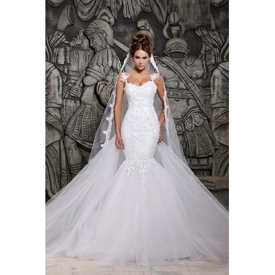 Luxe en Glamourvolle bruidsjurk. Maat 36