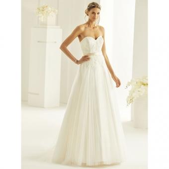 Vrouwelijke bruidsjurk met klassieke silhouet. Maat 44